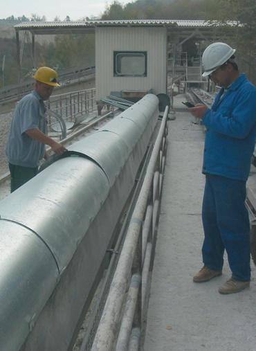 cable carrier for steel construction