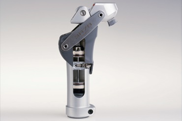 Knee joint prosthesis with iglidur® piston rings by Otto Bock HealthCare GmbH